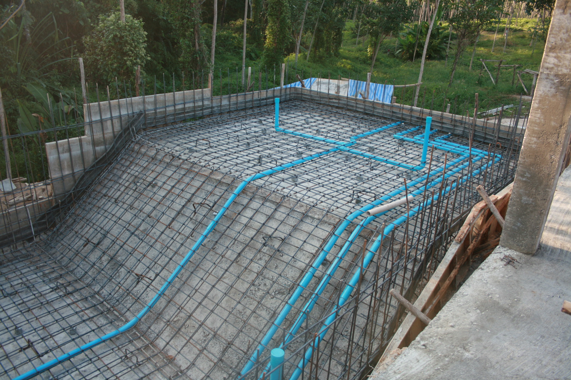 Self build horror thailand part 3 blog - Building a swimming pool yourself ...