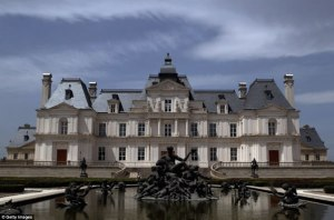 Château de Maisons-Laffitte, designed by François Mansart in 1651 - real or copy?